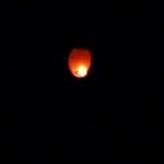 image tirée d'une vidéo d'une lanterne thaïlandaise lancée par Thibaut Alexandre le 15 juin 2011