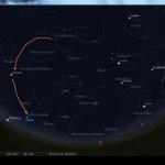 Aspect du ciel à Paris le 18 novembre 2013 à 6h30 heure légale. Le chemin à suivre pour trouver les étoiles Arcturus et Spica est indiqué par les flèches oranges. N'oubliez pas que C/2012 X1 LINEAR est juste à côté d'Arcturus.