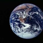 La Terre photographiée par l'équipage d'Apollo 17. Le pays de Boucles d'Or s'étendrait-il au-delà ?