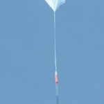 Le détecteur de rayons cosmiques Atic s'envole pour la stratosphère suspendu à un ballon