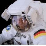 Thomas Reiter en scaphandre lors d'une sortie dans l'espace