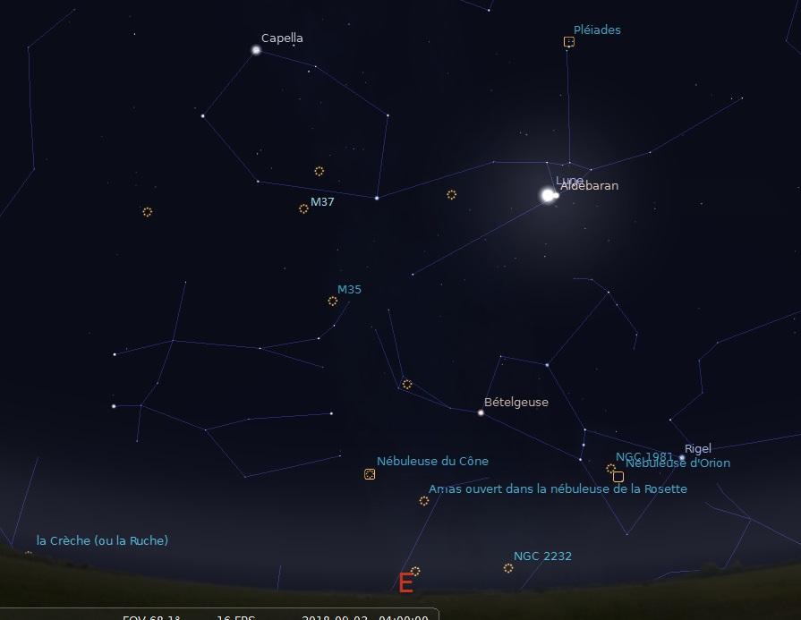 Aspect du ciel le 3 septembre 2018 à 4h00 du matin. La comète 21P/Giacobini-Zinner sera à l\'emplacement du e de Capella. les autres objets du ciel profond qu\'elle rencontrera au mois de septembre sont présents