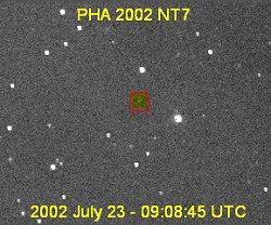 John Rogers a obteu cette image de 2002 NT7, faible et lointain, le 23 juillet 2002 au Camarillo Observatory