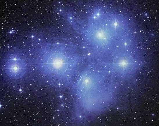 Probablement la plus belle image de la pouponnière d'étoiles des Pléiades. N\'escomptez pas obtenir un tel résultat ce week-end !