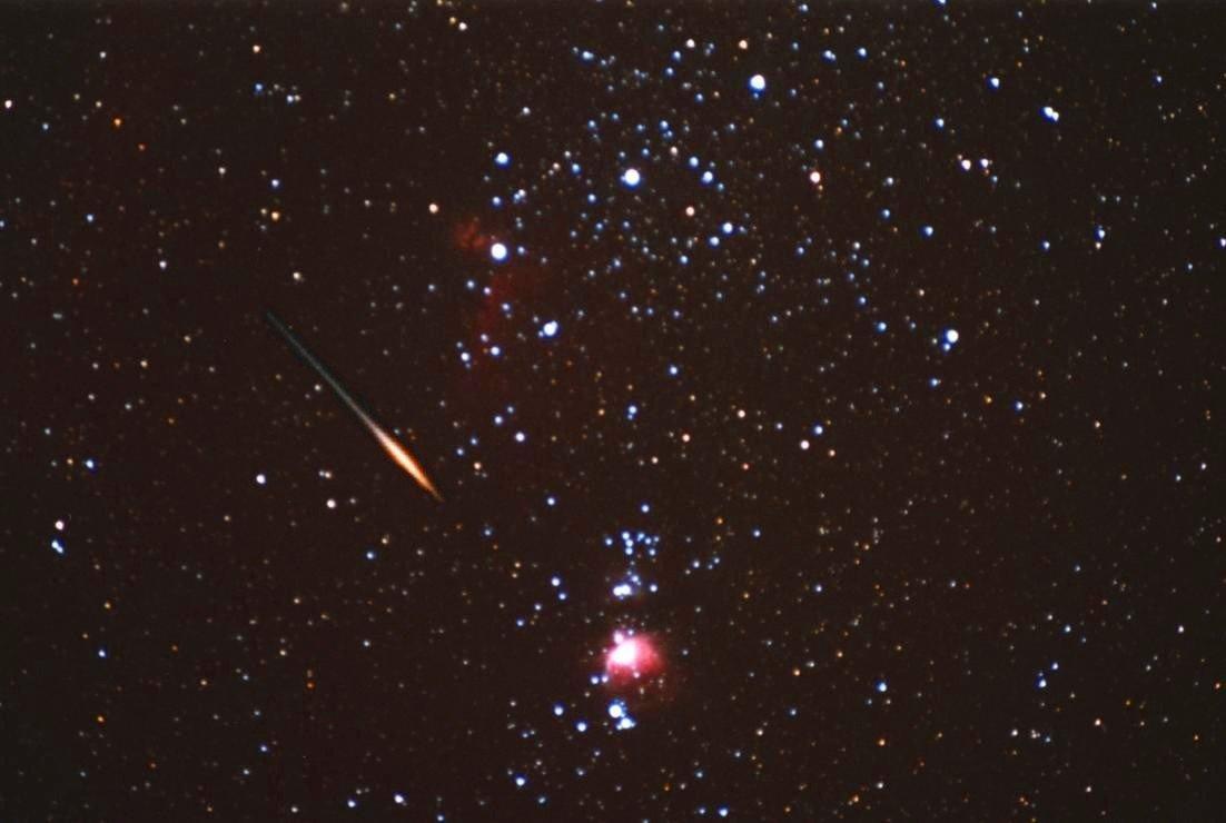 Une Léonide surprise dans les parages d\'Orion en 2001
