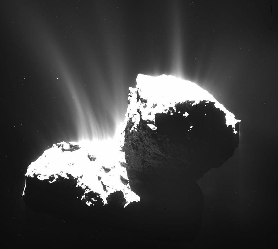 La comète Chury prise en flagrant délit de dégazage. Malheureusement, on n\'avait rien d\'assez rapide sous la main pour obtenir le même genre d\'image d\'Oumuamua.