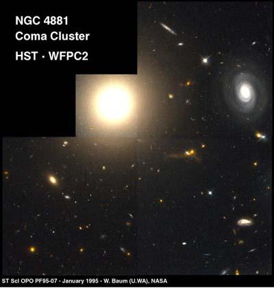 La galaxie elliptique NGC4881 est l\'objet le plus brillant, en haut à gauche