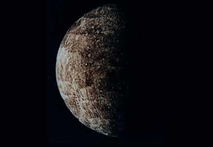 Mercure vue par la sonde spatiale Mariner 10 en mars 1974