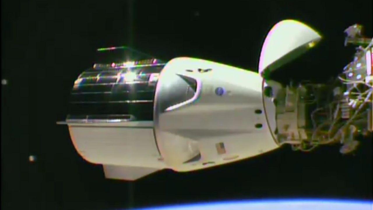 La capsule Dragon de SpaceX arrimée à l\'ISS