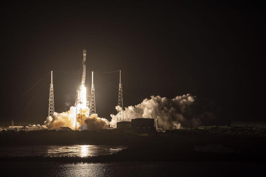 Lancement de 60 satellites Starlink, le 24 mai 2019, par une fusée Falcon 9 depuis Cap Canaveral